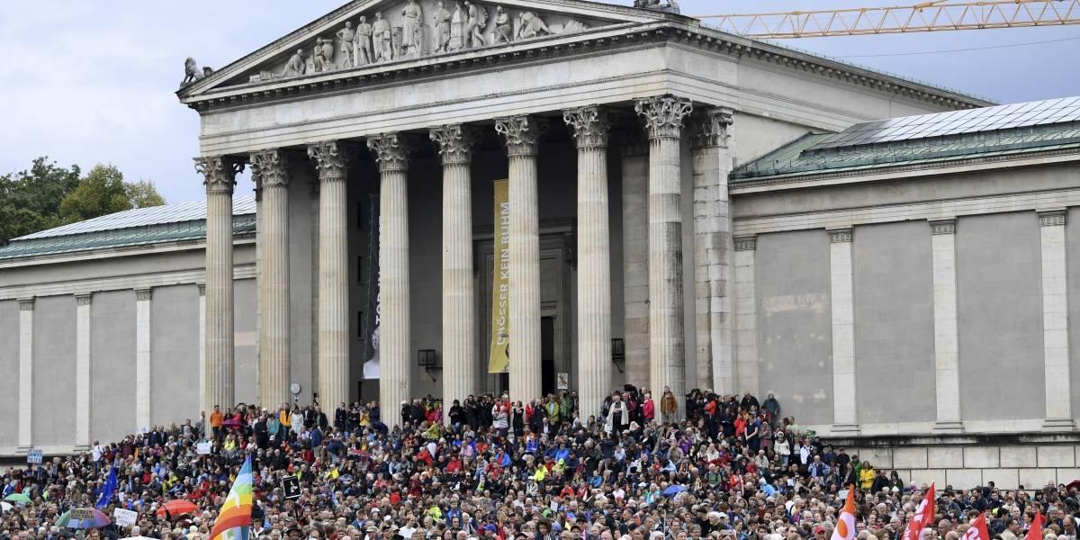 """Protesta en Alemania contra """"la política del miedo"""": alrededor de 15 mil personas se manifestaron en Múnich"""