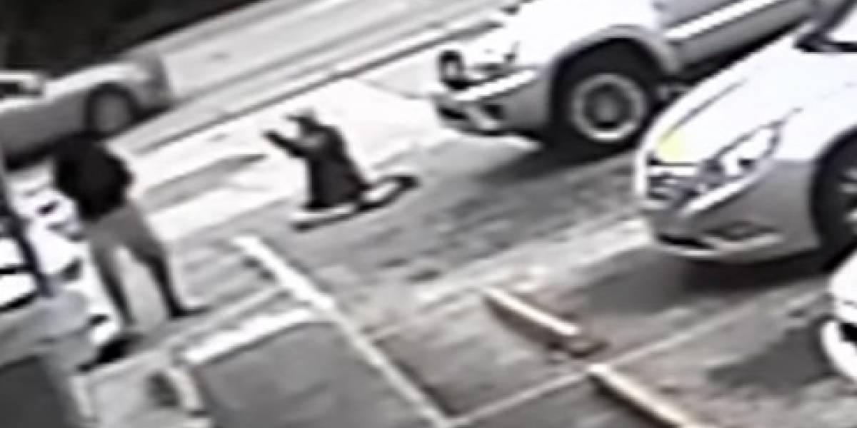 VIDEO: Mata a un hombre por un estacionamiento pero no va a la cárcel