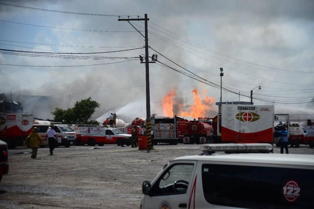 El incendio en la planta de gas ocurrió la mañana del domingo. Foto: Alejandro García