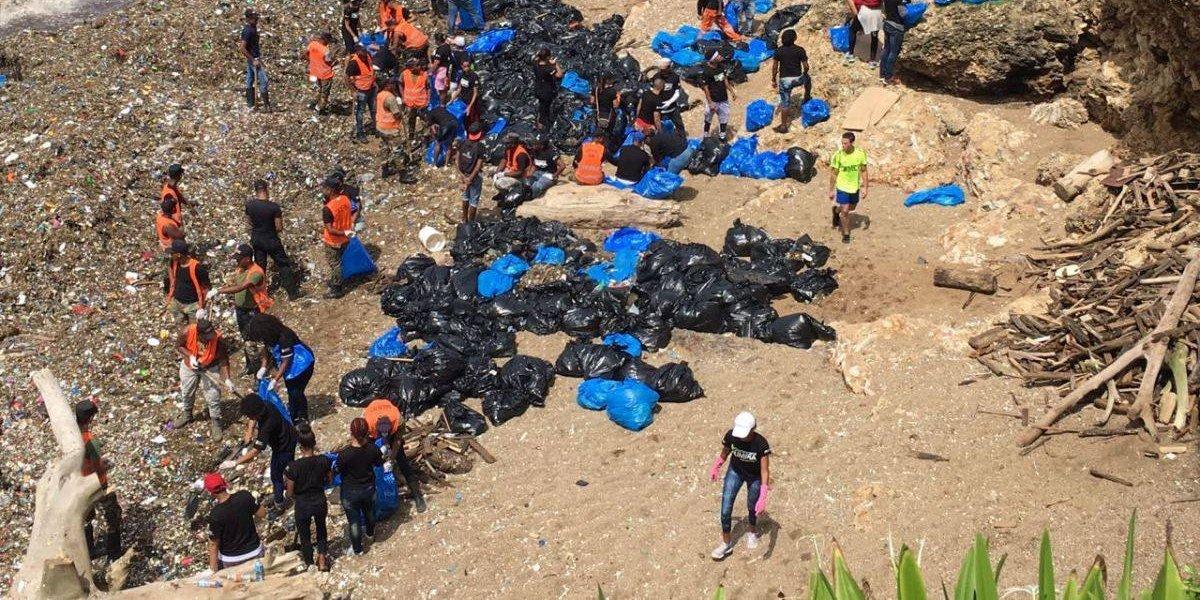 Obras Públicas ha retirado 520 toneladas de basura del Malecón de la capital