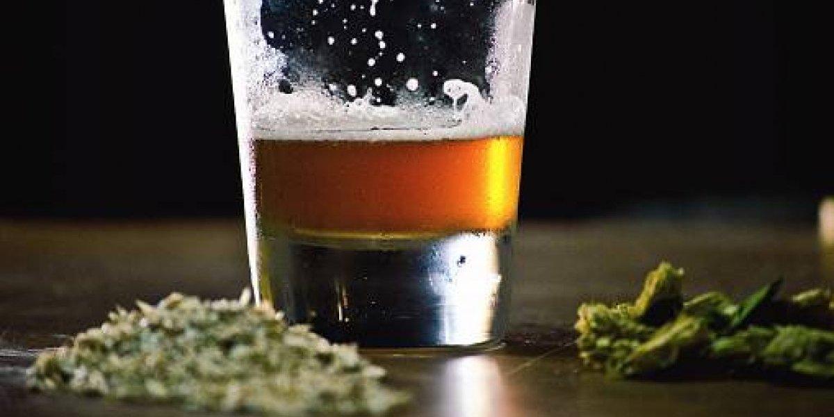 Canadá fabrica la primera cerveza con marihuana
