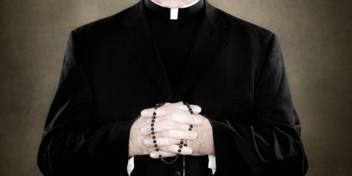Sacerdote italiano fue encontrado cuando intentaba abusar de una niña