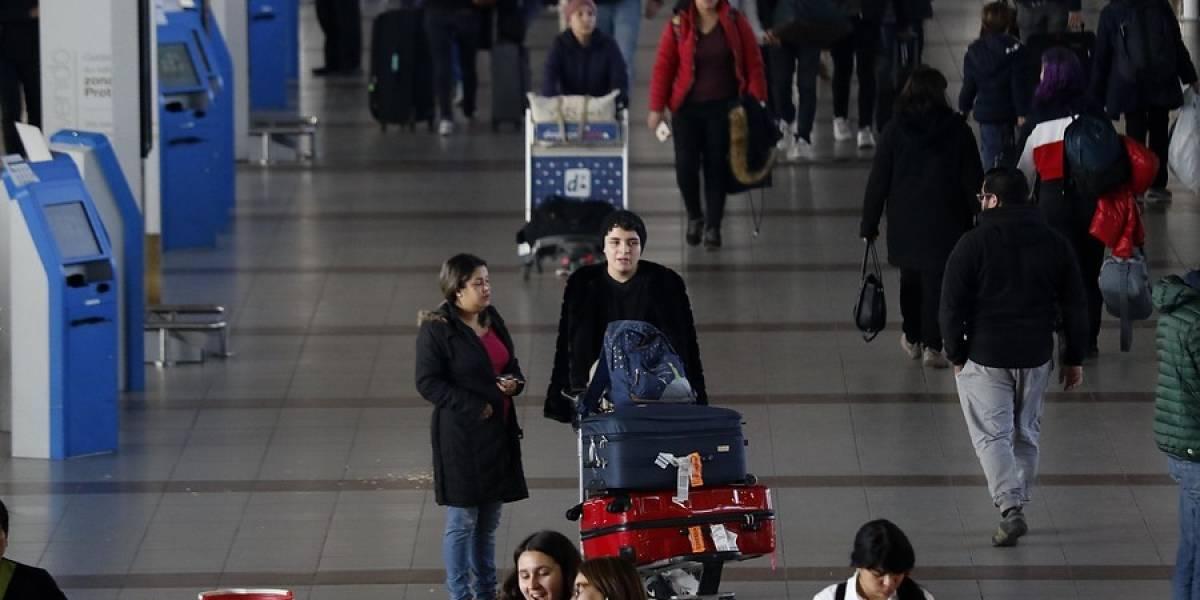Tráfico aéreo cierra el primer semestre con casi 12 millones de personas viajando en avión
