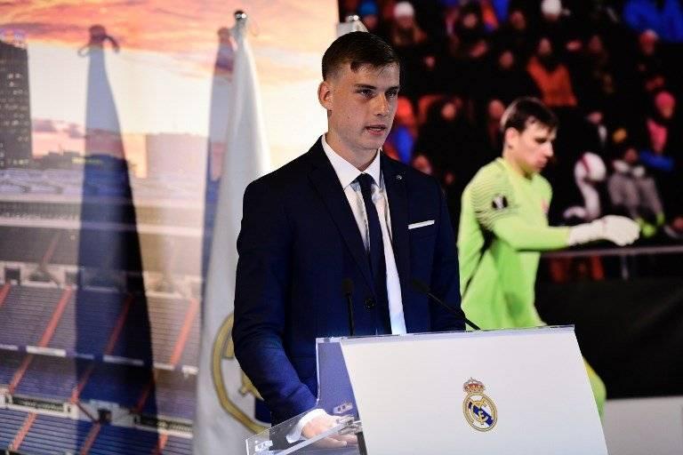 Real Madrid presentó a Andriy Lunin como nuevo arquero