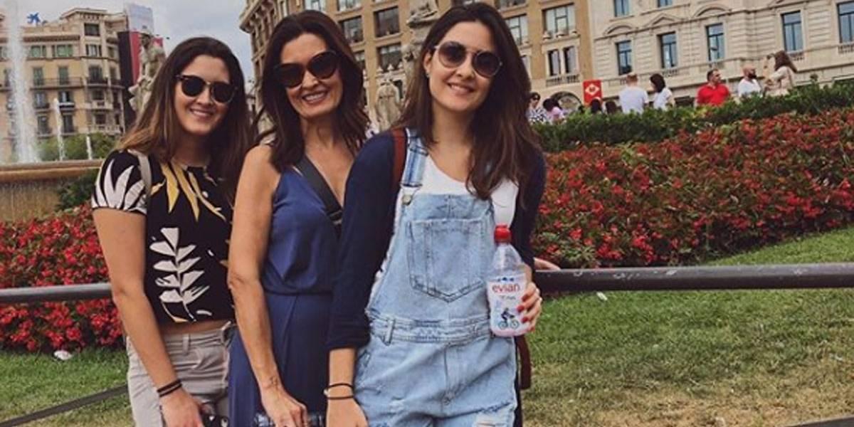Sem Túlio Gadelha, Fátima Bernardes aproveita férias em Barcelona com as filhas