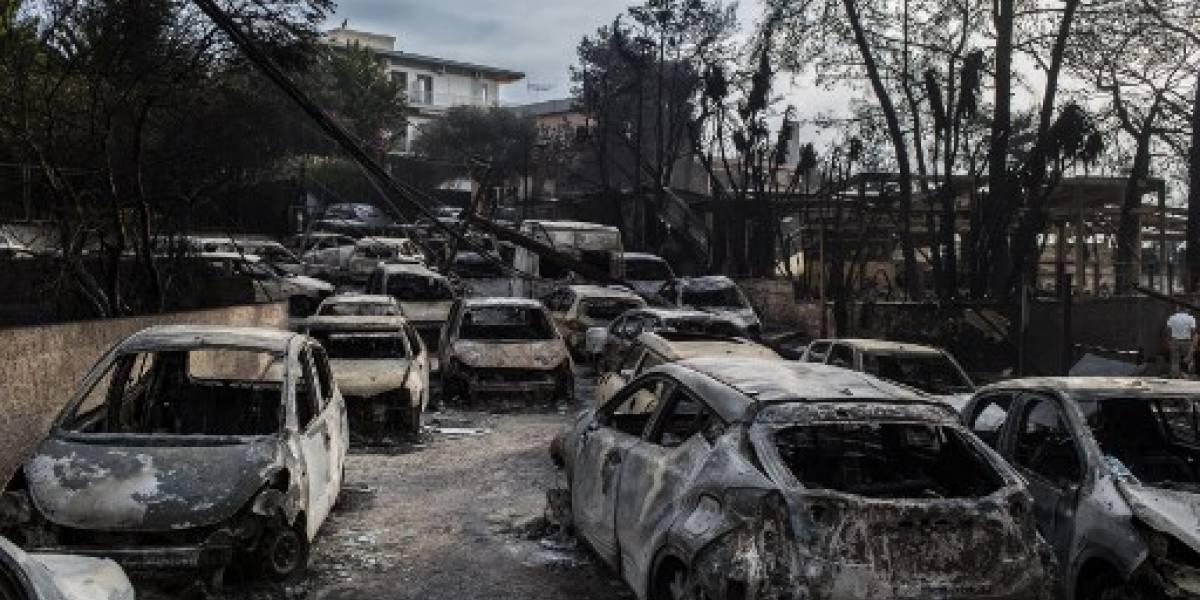 Grecia llora a las 60 víctimas de los voraces incendios forestales