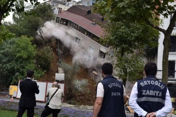 Edificio se derrumba en Estambul