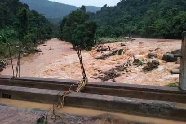 rompimento de barragem no Laos