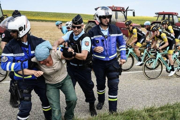 La seguridad tuvo que intervenir para calmar a los protestantes