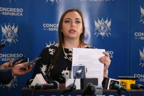 diputada Andrea Villagrán presenta amparo en CC por reformas al financiamiento electoral ilícito