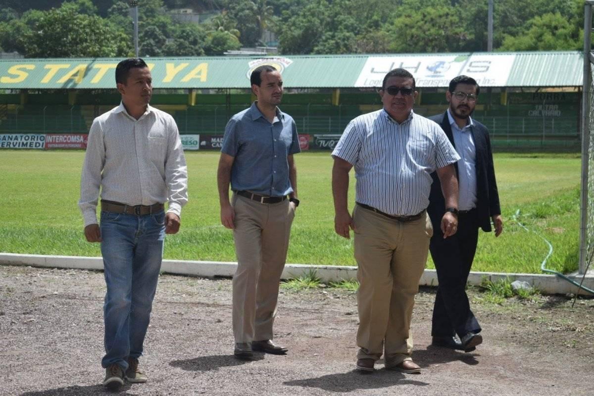 Algunos de los personeros de Concacaf que visitaron el David Cordón Hichos