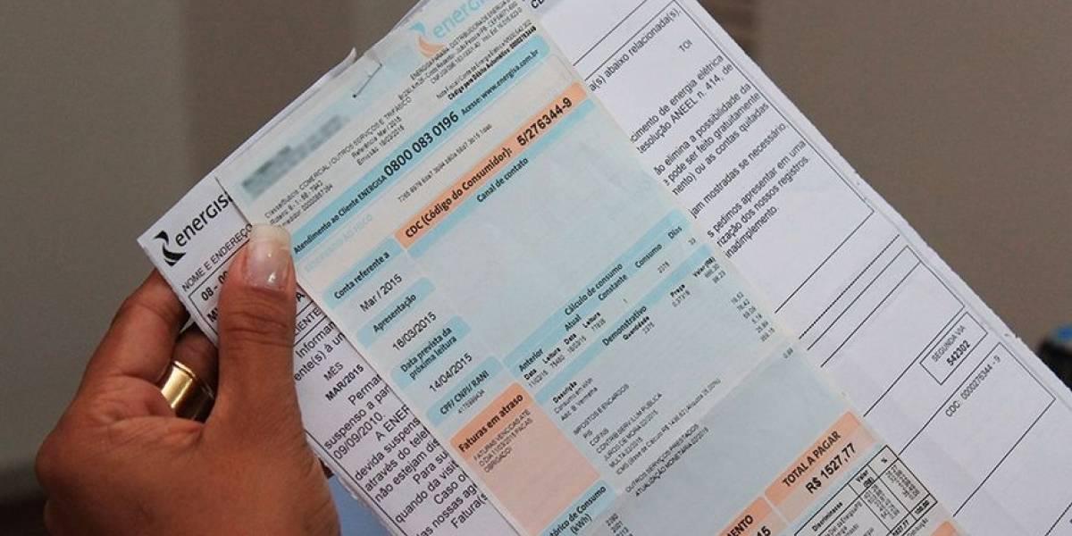 Em cada 3 brasileiros, 1 não paga contas em dia
