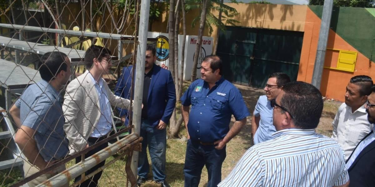 Autoridades de Concacaf visitan estadio de Antigua y Guastatoya previo al repechaje
