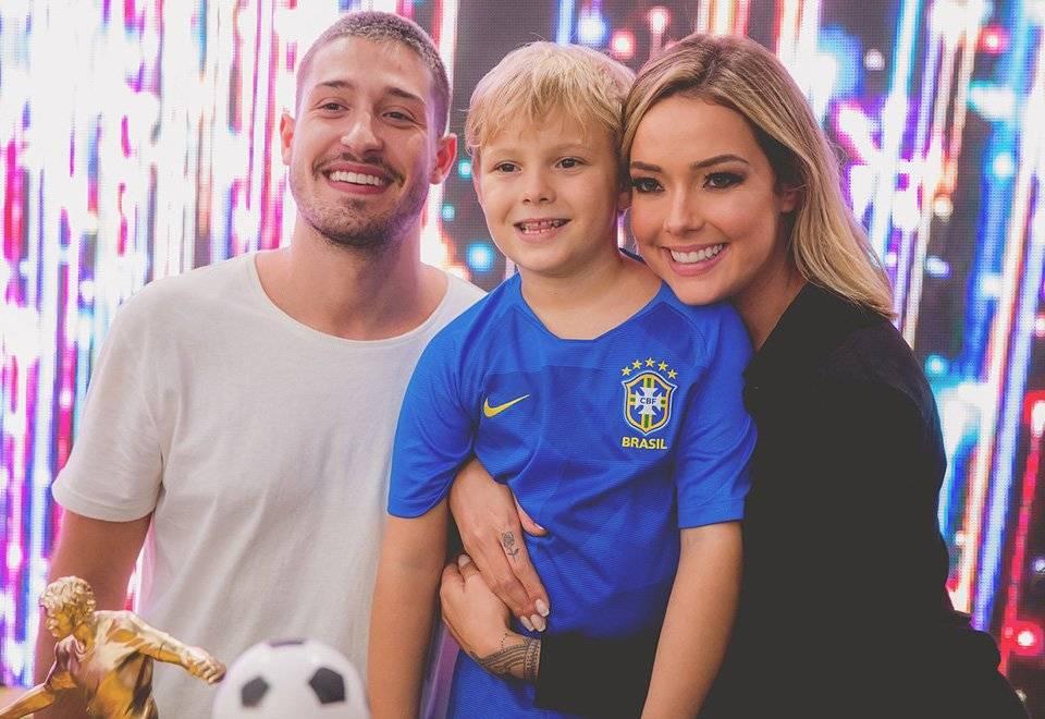 Carol Dantas,Neymar e vinícius