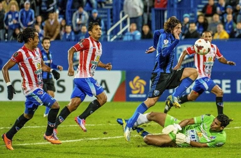 Calderón en un partido internacional con Heredia
