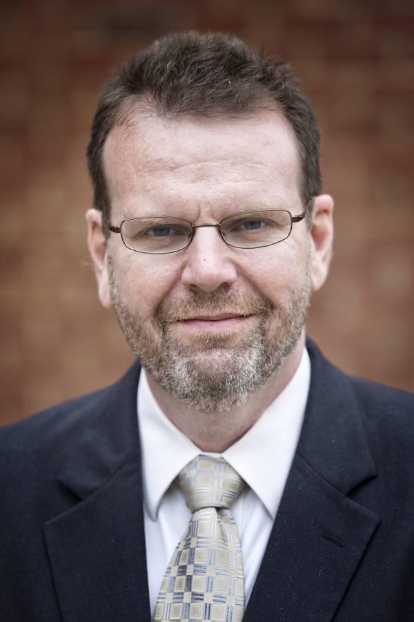 Robert Farley, profesor en la Escuela Patterson de Diplomacia y Comercio Internacional, en la Universidad of Kentucky.