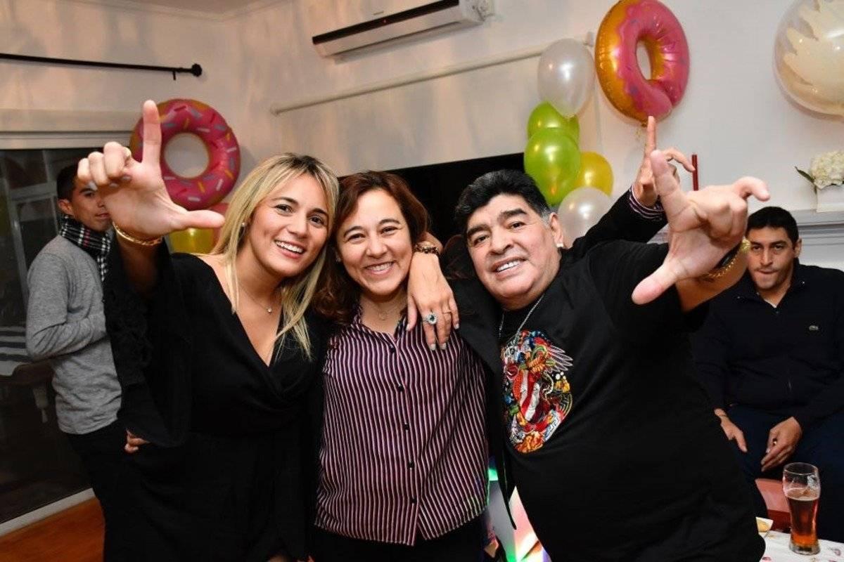 Maradona junto a su novia, Roció Oliva