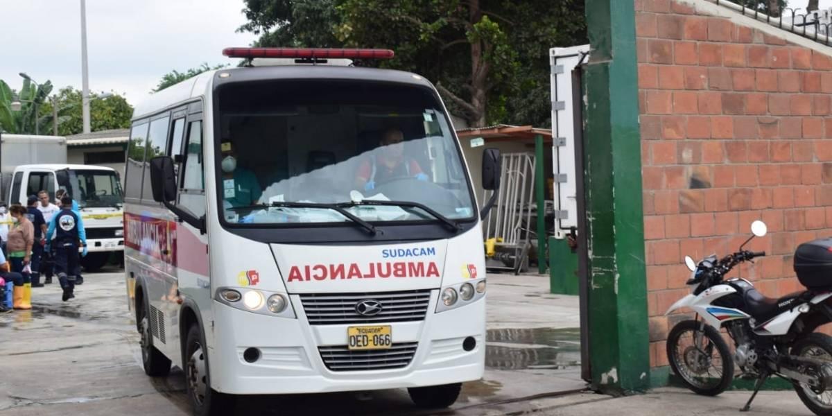 Machala: Fuga de gas tóxico afectó a trabajadores