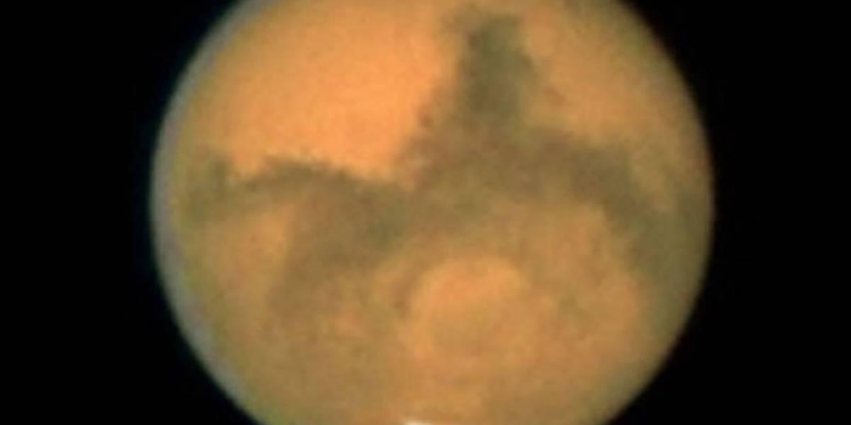Descubierta una enorme reserva de agua líquida bajo la superficie de Marte