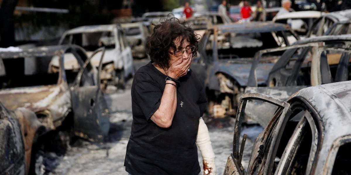 """As fotos dramáticas que revelam o """"inferno"""" vivido pela Grécia"""