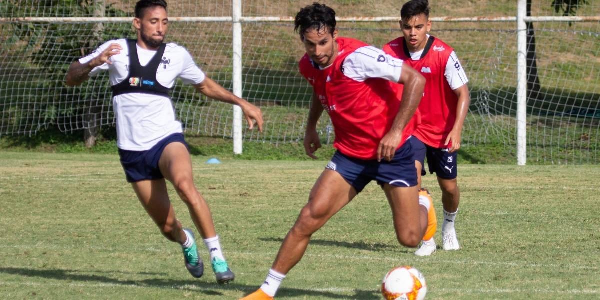 Se mantiene Jorge Benítez entrenando con Rayados