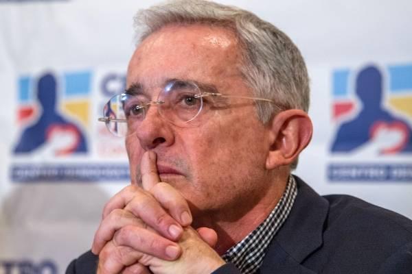 Más denuncias contra expresidente Álvaro Uribe