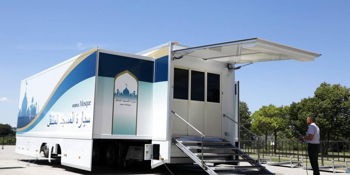 Develan mezquita móvil de cara a los Juegos de Tokio 2020