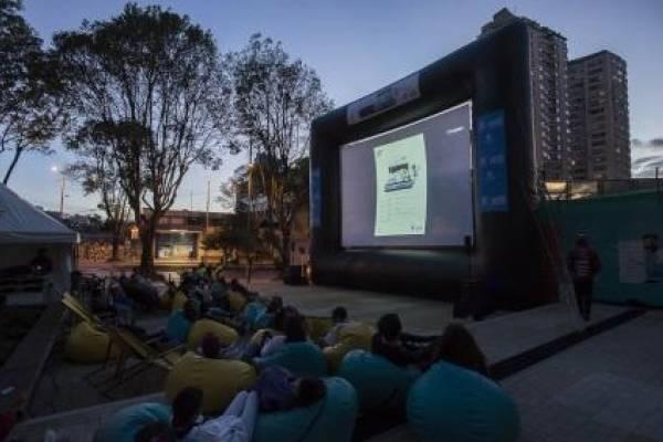 parques de Bogotá para ver cine gratis