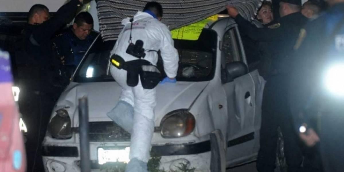Hallan decapitado sobre el toldo de un carro en Iztapalapa