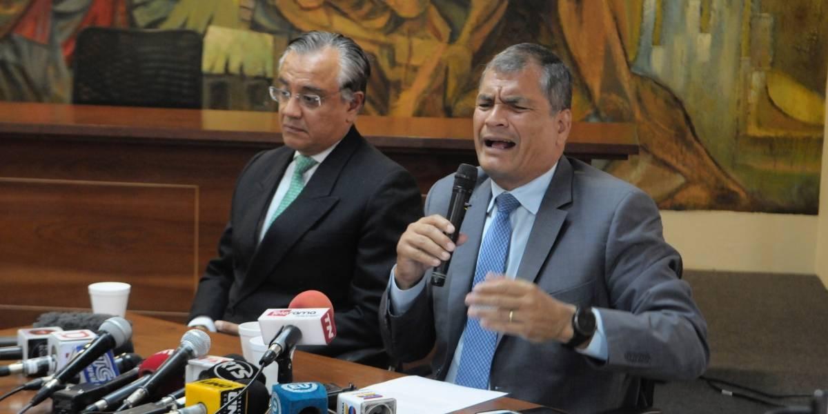 """Rafael Correa: """"Si quiere contentar a todo el mundo, no sea un líder, venda helados"""""""
