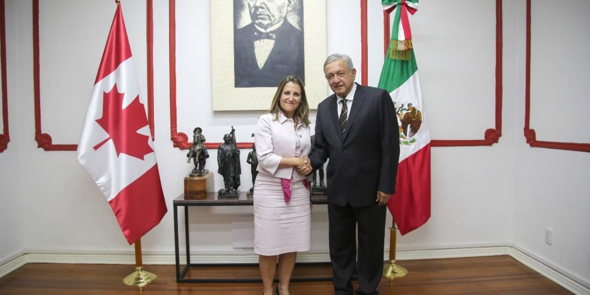 López Obrador se reúne con Chrystia Freeland en su casa de campaña