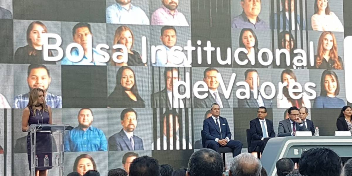 BIVA, nueva bolsa de valores, arranca en México