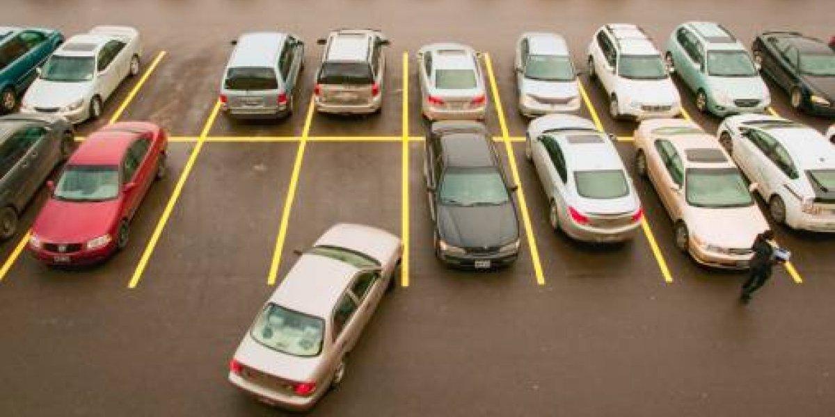 Salvaje ataque: le partieron la cara de un ladrillazo por estacionar mal el auto