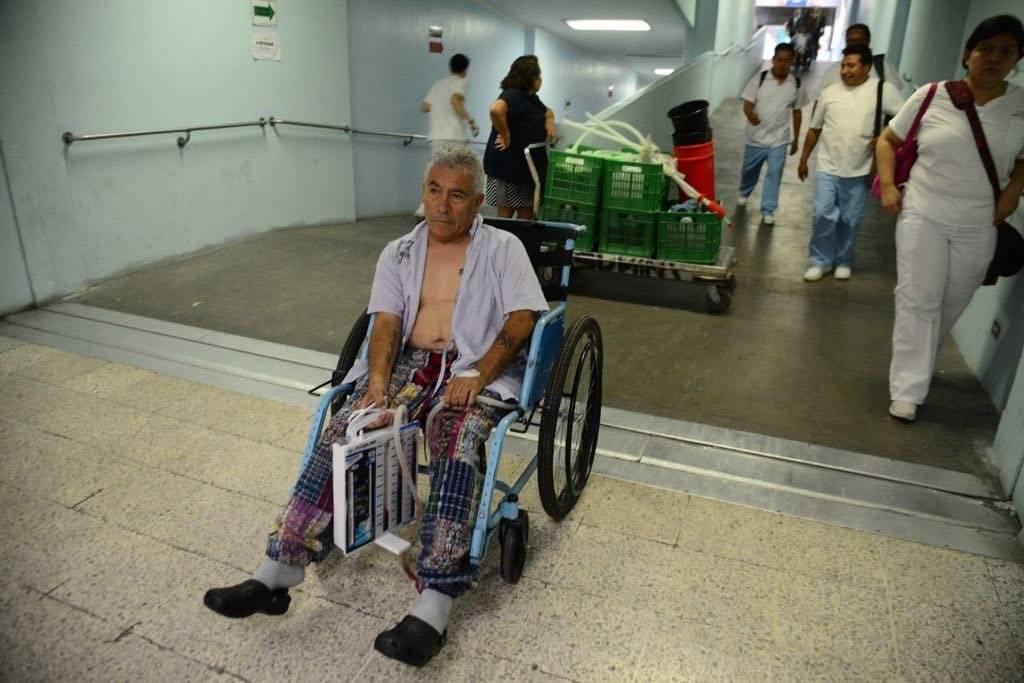 bombero Carlos Mohr herido en incendio en planta de gas