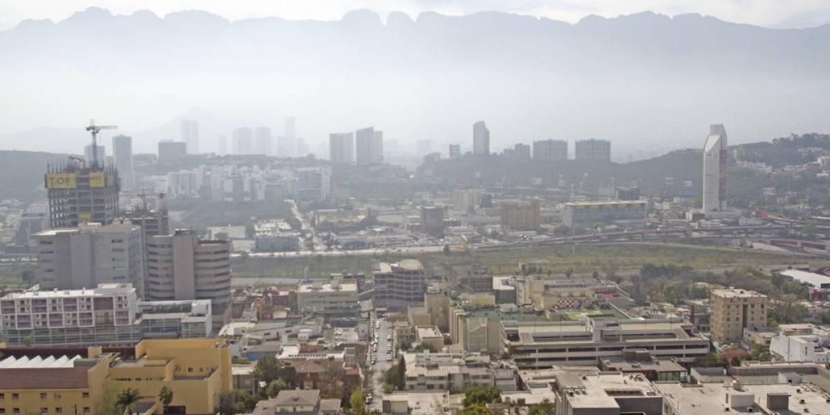 Emergencia por calor y contaminación en Nuevo León