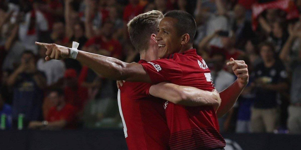"""""""Alexis brilla"""": La prensa inglesa destaca la actuación de Sánchez en medio de los problemas del United"""