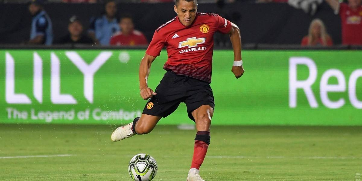 Alexis Sánchez marcó un golazo en triunfo por penales del Manchester United sobre AC Milan