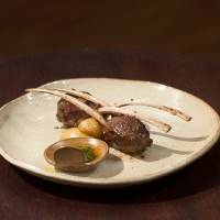 Com carré de cordeiro, batata e molho de hortelã, a cozinheira foi a melhor ao reproduzir prato de Fogaça