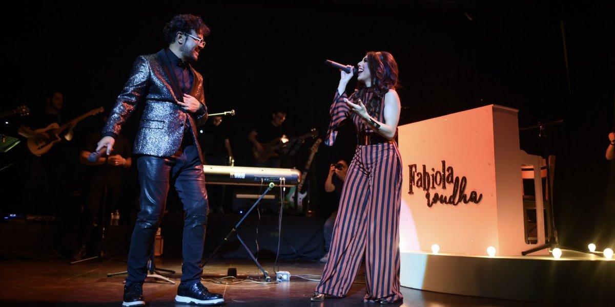 """¡En primera fila! Fabiola Roudha presentó su disco """"Más allá"""" y Aleks Syntek estuvo presente"""