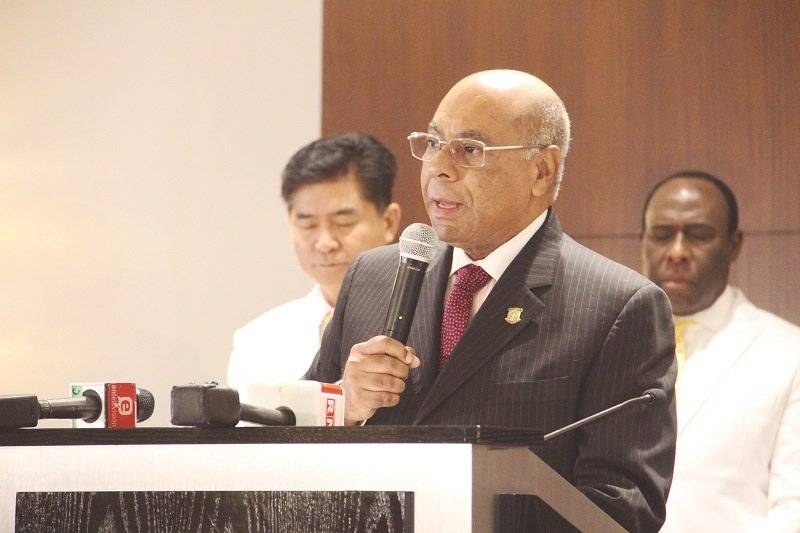 Rev Pedro Choi, Milton Ray Guevara, pastores fundadores de EDO e invitados / foto- Edgar Hipólito Camacho