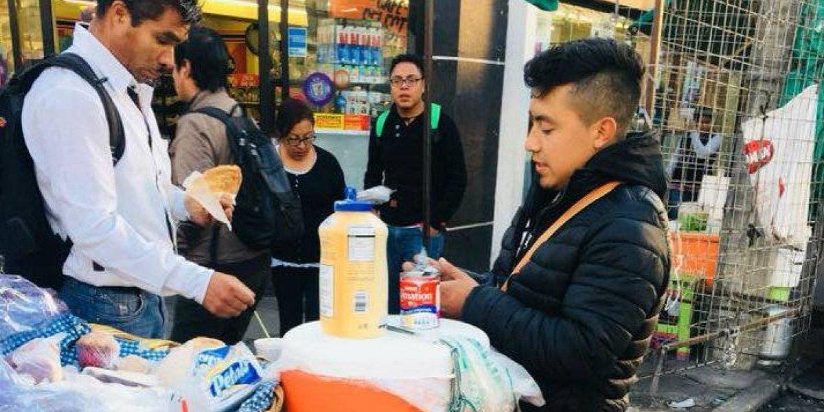 Vendedor de café devuelve mil pesos y es reconocido en redes
