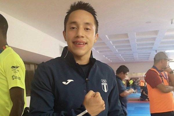 Allan Maldonado gana el oro en karate