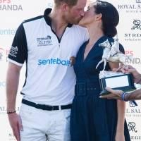 Harry y Meghan rompen el protocolo con este beso