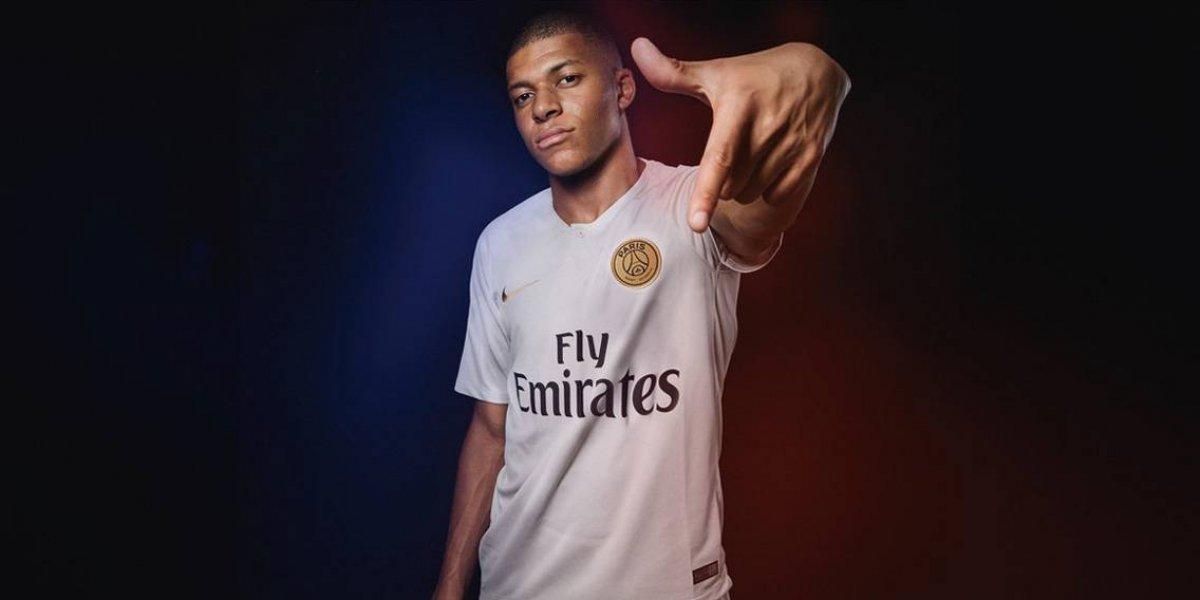 Mbappé llevará el 7 y vestirá de blanco para el PSG