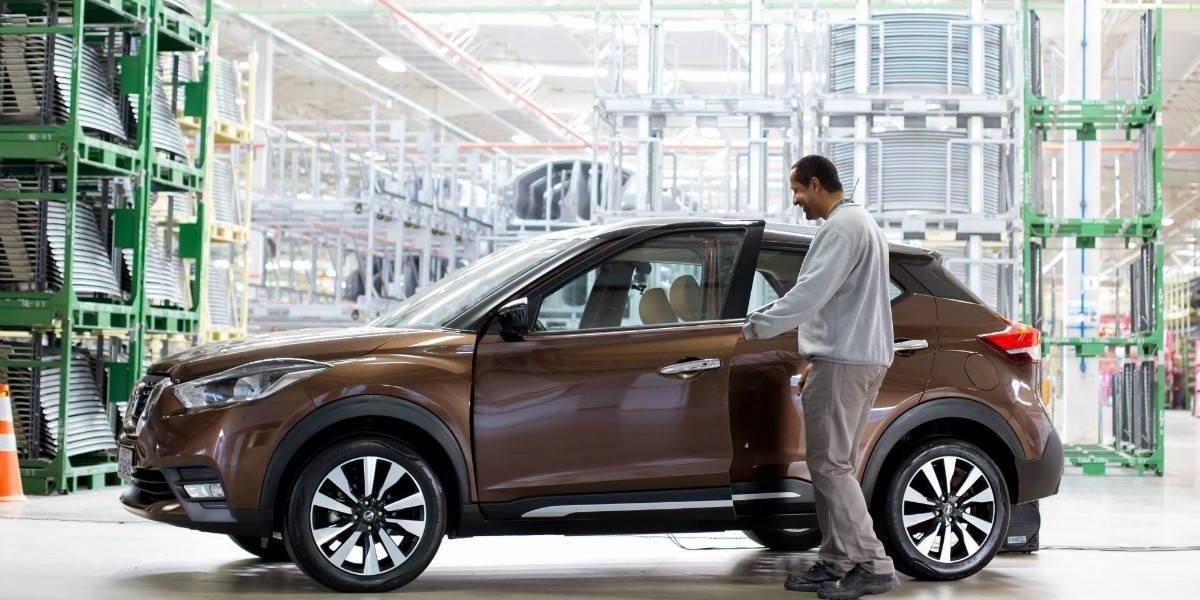 Nissan felicita a los trabajadores de Resende con un Kicks parlante