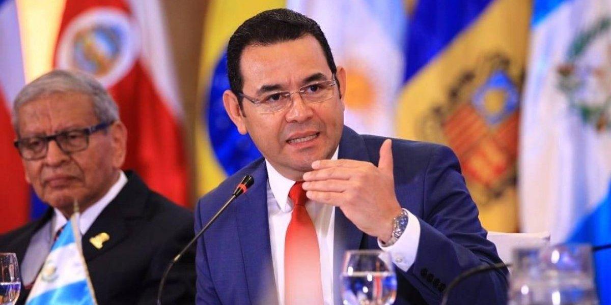Ejecutivo eroga Q34 mil para viaje del Presidente y otros funcionarios a Colombia