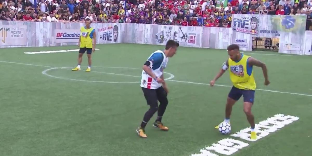 VIDEO: Mexicano humilla a Neymar en la cancha