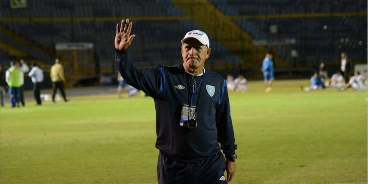 ¡Oficial! Walter Claverí deja de ser técnico de la Selección Nacional