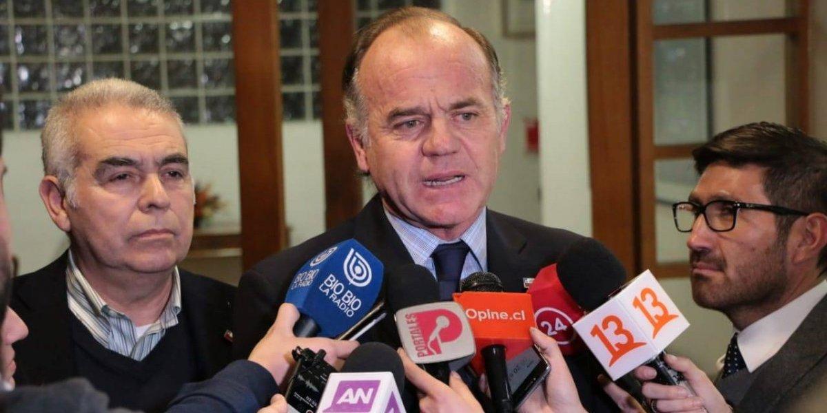 Ministro de Agricultura brindará apoyo a productores de Linares tras cierre de planta Iansa