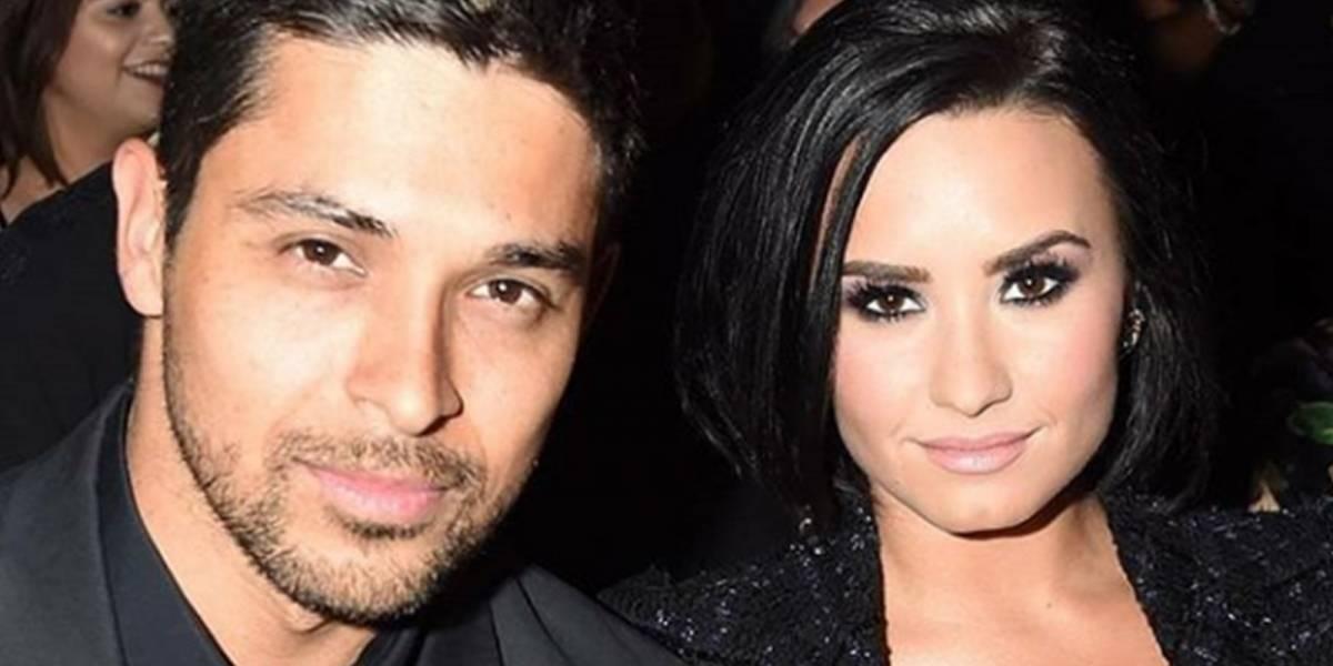 Exnovio de Demi Lovato la visita al hospital y habla con ella